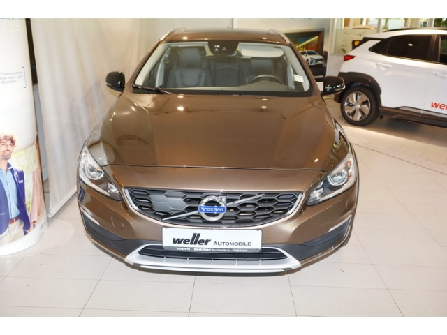 Volvo V60 Cross Country Cross Country D4 AWD Summum Euro