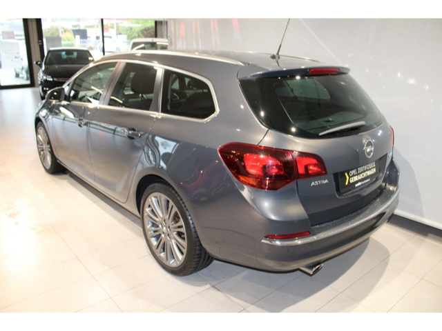 Opel Astra J Sports Tourer 1.4 TURBO SPORT Bluetooth Pa