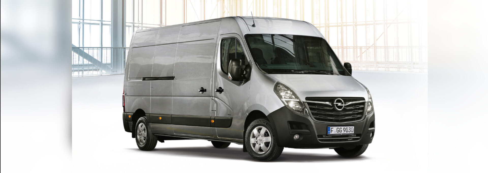 Opel Movano Kastenwagen in Industriehalle