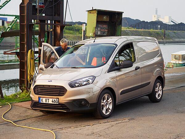 Ford Transit Courier Kleintransporter
